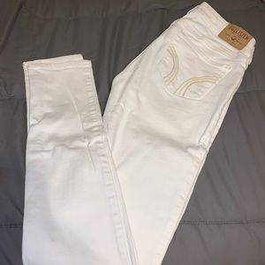 White Hollister Low/Mid Rise Jeans - Size 3
